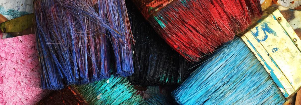Penslar med färg, men vilken färg är bäst